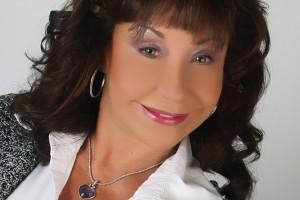 Evie Jacobson – Legal Assistant